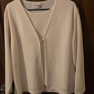Womens Cream 2X Long Sleeve Open Blouse